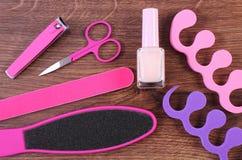 Los cosméticos y los accesorios para la manicura o pedicura, concepto de pie, mano y clavo cuidan Imágenes de archivo libres de regalías