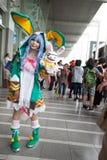 los cosplayers se visten como los caracteres de la historieta y del juego Imagenes de archivo