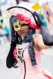 los cosplayers se visten como los caracteres de la historieta y del juego Fotos de archivo libres de regalías