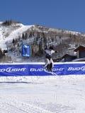 Los cowbys del esquí golpearon el salto imagen de archivo libre de regalías