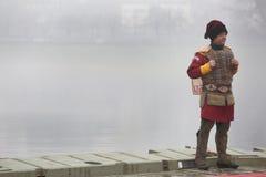 Los cristianos ortodoxos celebran epifanía con la natación tradicional del hielo imagenes de archivo