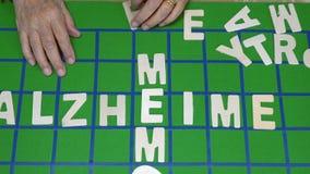 Los crucigramas para los ancianos, ayudan a mejorar memoria metrajes
