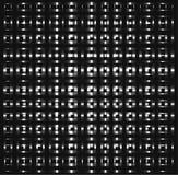 Los cuadrados de plata, tubos abstractos que cruzan, metal los pedazos, sombras del fondo gris Foto de archivo