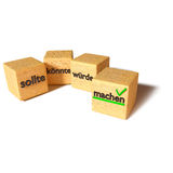 Los cubos de madera, puede, y hacer Fotos de archivo libres de regalías