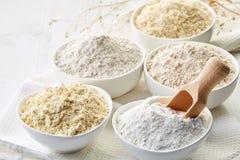 Los cuencos de gluten liberan la harina Fotografía de archivo libre de regalías
