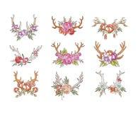 Los cuernos de los ciervos con las flores fijan, dan la composición floral exhausta con los ejemplos del vector de las astas en u stock de ilustración