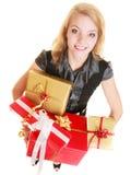 Los días de fiesta aman el concepto de la felicidad - muchacha con las cajas de regalo Imagen de archivo libre de regalías