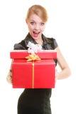 Los días de fiesta aman el concepto de la felicidad - muchacha con las cajas de regalo Imagenes de archivo