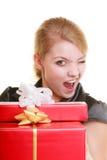 Los días de fiesta aman el concepto de la felicidad - muchacha con las cajas de regalo Fotos de archivo libres de regalías