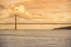 Los 25 de Abril Bridge Foto de archivo libre de regalías