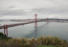 Los 25 de Abril Bridge en Lissabon, Portugal Fotografía de archivo