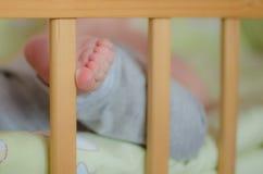 Los dedos del pie del bebé lindo Fotos de archivo libres de regalías