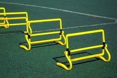 Los deportes brillantes hermosos adaptan para ejercitar y mejorar su h Imagen de archivo