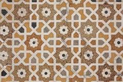 Los detalles de la superficie de mármol pulida son cubiertos por el embutido de piedra imagen de archivo libre de regalías