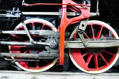 los detalles de las ruedas de una locomotora del tren fotos de archivo libres de regalías