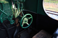 Los detalles de un vapor del vintage entrenan a conducir la cabina Imágenes de archivo libres de regalías