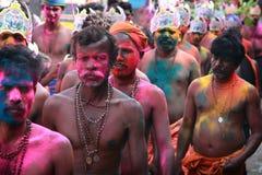 Los devotos de Lord Ayyappa realizan 'Erumeli Petta Thullal' Imagen de archivo