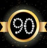 los diamantes blancos de la 90.a de los años del feliz cumpleaños del aniversario de la tarjeta invitación del oro numeran Foto de archivo libre de regalías