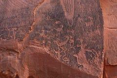 Los dibujos encontraron el olong una carretera cerca de Moab, Utah imágenes de archivo libres de regalías