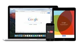Los dispositivos multi de Google con Google buscan YouTube y Google más imagen de archivo libre de regalías