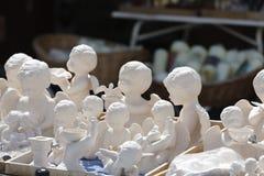 Los diversos ángeles blancos pusieron venta en Einsiedeln Imagenes de archivo