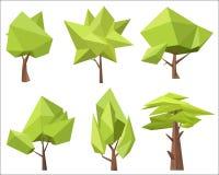 Los diversos árboles verdes conceptuales con los ángulos vector el ejemplo Árboles polivinílicos bajos del polígono fijados Fotos de archivo libres de regalías