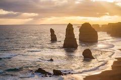 Los doce apóstoles con la puesta del sol hermosa Fotografía de archivo libre de regalías