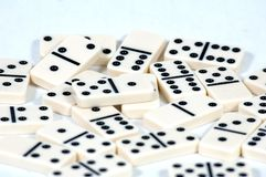 Los dominós se cierran para arriba Imágenes de archivo libres de regalías
