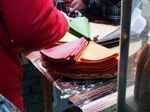Los dulces georgianos nacionales se venden en la calle foto de archivo