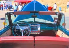 LOS E.E.U.U.: Descapotable 1947/tablero de instrumentos automotrices antiguos de Chrysler Imagen de archivo