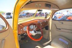 LOS E.E.U.U.: 1938 Ford automotriz antiguo/tablero de instrumentos Imagenes de archivo