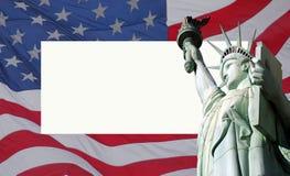 Los E.E.U.U. señalan por medio de una bandera y la estatua de la libertad Fotos de archivo