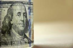 Los E.E.U.U. transparente nuevos cientos primers de Bill In Back Light del dólar Imágenes de archivo libres de regalías