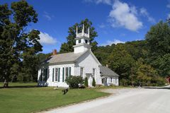 Los E.E.U.U., Vermont: Capilla de madera vieja (1804) Fotos de archivo