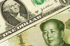 Los E.E.U.U. y dinero en circulación chino Foto de archivo libre de regalías