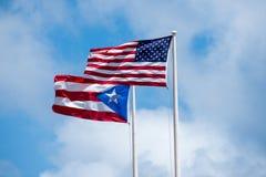 Los E.E.U.U. y Puerto Rico Flags Imagenes de archivo