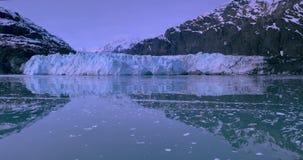 Los E.E.U.U., Alaska, parque nacional del Glacier Bay, herencia natural del mundo almacen de video