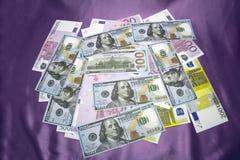 Los E.E.U.U. 100 200 500 euros Fotos de archivo libres de regalías