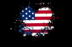 Los E.E.U.U. señalan por medio de una bandera en una forma de un corazón con las salpicaduras de la pintura en el CCB negro Fotos de archivo