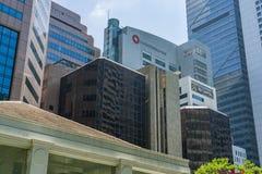 Los edificios corporativos y financieros céntricos se cierran juntos fotografía de archivo libre de regalías