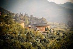 Los edificios del tulou son el edificio característico chino imágenes de archivo libres de regalías