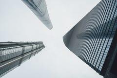 Los edificios modernos en Lujiazui financian el distrito, Shangai, China Imagen de archivo