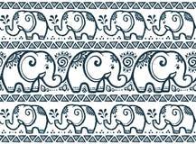 Los elefantes azul marino alinean el modelo inconsútil del vector en estilo tribal libre illustration
