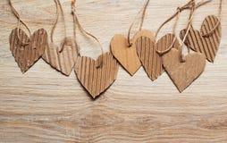 Los elementos scrapbooking de Valentine Day empapelan corazones y los colocan para el texto Imagenes de archivo