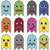 Los emoticons de Pixelated inspirados por mostrar video de los juegos de ordenador del vintage de los años 90 varían emociones co Imagen de archivo libre de regalías