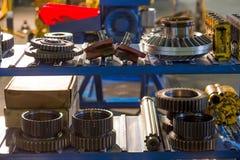 Los engranajes del metal se cierran para arriba Fotografía de archivo libre de regalías