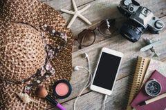 Los equipos casuales de la mujer, equipo del viajero femenino Imagen de archivo libre de regalías