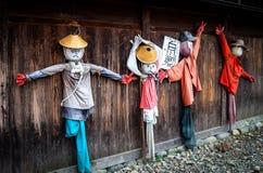 Los espantapájaros en patrimonio mundial Shirakawa-van Fotografía de archivo