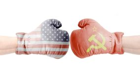 Los Estados Unidos de América contra los guantes de boxeo de URSS, los E.E.U.U. contra Concepto de URSS fotos de archivo libres de regalías