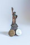 Los Estados Unidos de América Estatua de la libertad y de la puesta del sol de New York City Fotografía de archivo